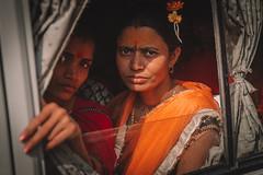 Miradas (lulejt) Tags: red india eyes portrait girls indians kumbhmela kumbhmela2019 colors orange fashion allahabad