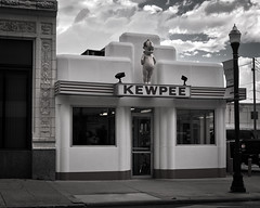 Kewpee (Pete Zarria) Tags: ohio sign eat cafe diner hamburger fries shakes coke old deco kewpee depression