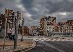 Avec un ciel si gris qu'un canal s'est perdu (Jean-Marie Lison) Tags: eos80d sigmaart bruxelles molenbeek canal pont carrefour fresquemurale