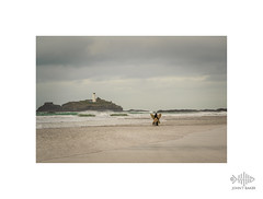 Double kiss (silver/halide) Tags: kiss johnbaker godrevy godrevylighthouse godrevyisland cornwall seashore surf surfers love amour