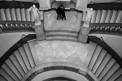 Kiss me... (modestino68) Tags: bn bw bacio kiss coppia couple scale stairs museo museum napoli naples sixpencenonethericher