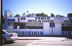 2018-09-YSCT3-FJV50-020 (tristianos) Tags: fujivelvia50 velvia slidefilm losangeles streetphotography saturated filmphotography selfscanned 35mm yashicat3 yashica carlzeiss iso50