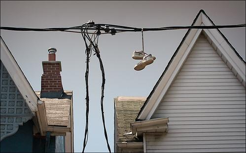 shoes_on_cable_close_kensington_01_8773079013_o