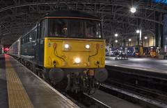 86101 5M11 (Rossco156433) Tags: scotland glasgow glasgowcentral train loco locomotive electric class86 serco sleeper sleepertrain caledoniansleeper gbrailfreight gbrf aclocomotivegroup ee englishelectric vulcanfoundry 86101 sirwilliamastanierfrs
