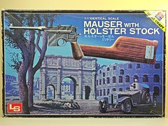 LS – Vintage Plastic Model – 1/1 Scale – German – Mauser Military M96 with Broomhandle – Box Art (My Toy Museum) Tags: ls vintage plastic kit gun pistol german mauser m96 holster stock broomhandle broom handle