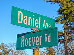 Daniel Ave & Roever Rd, 5 Jan 2019 (photography.by.ROEVER) Tags: kansas flinthills january 2019 january2019 roadtrip rileycounty manhattan sign streetsign streetsigns intersection danielave danielavenue roeverrd roeverroad usa