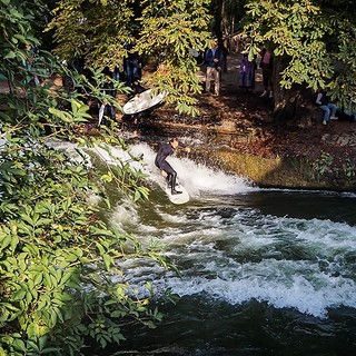 Whatever it is you want to do in life. Shred it.   Follow along with @travelmvmt 🌏🚶  #Eisbach #Munich #Surfing