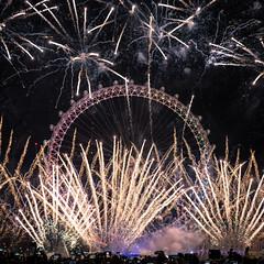 DSC04528-Edit-1 (z70photo) Tags: fireworks newyearseve london londoneye londonstreets celebration
