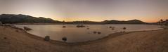 Atardecer en el Burguillo. (Amparo Hervella) Tags: nikond7000 nikon d7000 largaexposición roca cielo agua panorámica atardecer naturaleza paisaje spain españa burguillo avila