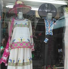Art in costumes (AlejjGarcía) Tags: arte traje huichol cultura