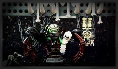 LEGO-Predator. (peter-ray) Tags: lego predator brick mini figure alien samsung nx2000 peter ray moc skull teschio movie diorama scene