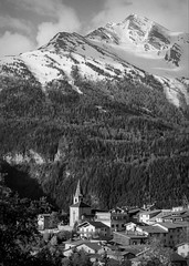 Aussois (p2-r2) Tags: nikon f3 f3hp france blackandwhite film agfa apx 100 new emulsion aussois mountains snow trees village town hotel nikkor105mmf25ai