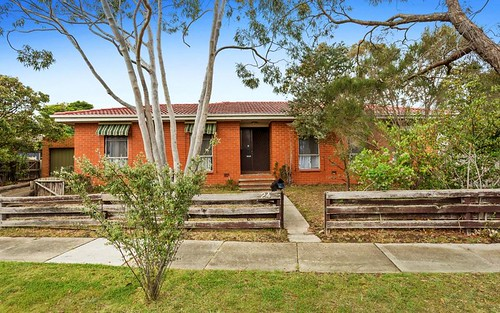 24 Richardson Dr, Mornington VIC 3931