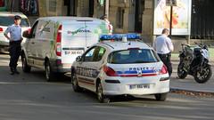 Paris - France (Mic V.) Tags: paris france dt884wb 2007 peugeot 308 16 hdi police nationale diesel car voiture hatchback french blue light emergency service services vehicle