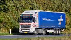 AH79681 (15.10.23)DSC_6618_Balancer (Lav Ulv) Tags: 196893 volvo volvofh fh3 2013 erikmoldt fh460 e5 euro5 4x2 tricoloretransportlogistics white kronetrailer curtainside planentrailer gardintrailer truck truckphoto truckspotter traffic trafik verkehr cabover street road strasse vej commercialvehicles erhvervskøretøjer danmark denmark dänemark danishhauliers danskefirmaer danskevognmænd vehicle køretøj aarhus lkw lastbil lastvogn camion vehicule coe danemark danimarca lorry autocarra danoise vrachtwagen motorway autobahn motorvej vibyj highway hiway autostrada trækker hauler zugmaschine tractorunit tractor artic articulated semi sattelzug auflieger trailer sattelschlepper vogntog oplegger sættevogn