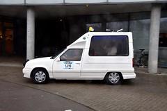 Start Carbage Run winter 2019 - Kopenhagen (FaceMePLS) Tags: kopenhagen copenhagen denemarken denmark scandinavië facemepls nikond5500 rally car voiture pkw wagen voertuig pausmobiel 1992renaultexpress14 fjnl14 carbageteam5490 popemobile