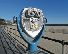 On The Road with Tower Optical (caboose_rodeo) Tags: 4342 oceanbeachparknewlondonct longislandsound toweropticalconorwalkct beach winter