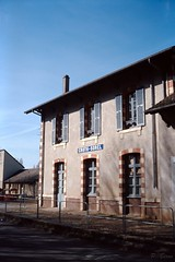 Ancienne gare de Croth-Sorel (Philippe_28) Tags: france europe 24x36 argentique analogue camera photography film 135 olympus trip 35 new ektachrome 100 slide transparency diapositive gare station 27 eure normandie normandy croth