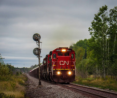 Nearly Decomissioned (Elijah J. Jackson (EJ)) Tags: cn canadiannational ge dash8 minnesota midwest trains train transportation iron dmir signals searchlights photography photo perspective pictures
