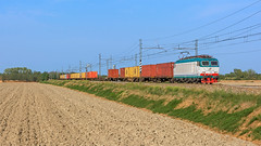 FS E652 052 (maurizio messa) Tags: mir lombardia pavese mau bahn ferrovia intermodale e652 tigre cargo freighttrain fret guterzuge treni trains railway railroad nikond7100