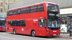 P1150552 VMH2584 LF19 FXJ at Highbury & Islington Station Highbury Corner Holloway Road Islington London (LJ61 GXN (was LK60 HPJ)) Tags: metroline metrolinewest volvob5lhybrid mcv evoseti mcvevoseti 105m 10490mm vmh2584 lf19fxj nb989