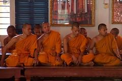 IMGP1307 Monks (Claudio e Lucia Images around the world) Tags: watpreahpromrath wat preah prom rath siem reap cambodia cambogia buddhist buddha monks buddista temple tempio orange gold asia pagoda pentax pentaxkp pentaxart pentaxlens pentax18135 pentaxcamera