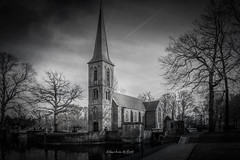 Landgoed De Haar 2019 (EBoss Fotografie) Tags: haarzuilens utrecht nederland nl church blackwhite building dark canon sky clouds holland tower water architecture twop soe supershot