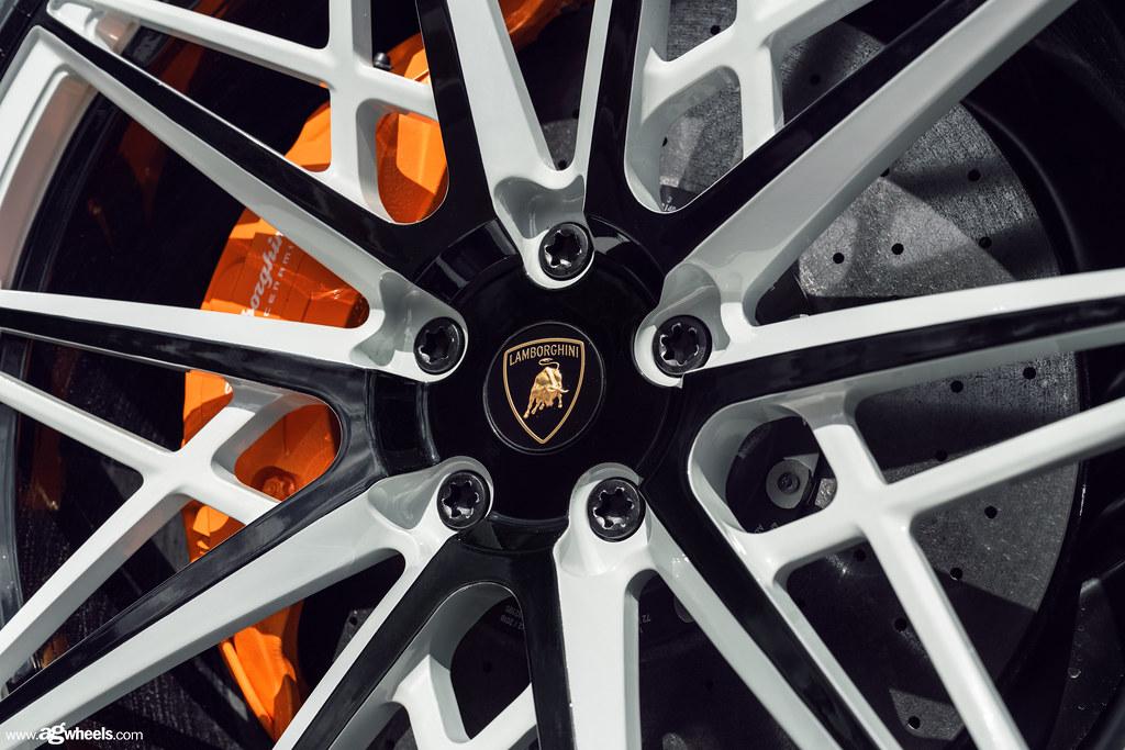 Lamborghini - Urus - F338 Two-Tone