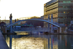 305 - Paris - Février 2019 - le long du Bassin de La Villette (paspog) Tags: paris france février bassindelavillette 2019 canal canaldelourcq pont bridge brücke