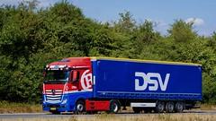 AT32391 (18.07.24, Motorvej 501, Viby J)DSC_6364_Balancer (Lav Ulv) Tags: 256681 mercedesbenz actros actros1845 actros963 red dsv rygaardtransport 4x2 e6 euro6 curtainside planentrailer gardintrailer blue kronetrailer 2015 truck truckphoto truckspotter traffic trafik verkehr cabover street road strasse vej commercialvehicles erhvervskøretøjer danmark denmark dänemark danishhauliers danskefirmaer danskevognmænd vehicle køretøj aarhus lkw lastbil lastvogn camion vehicule coe danemark danimarca lorry autocarra danoise vrachtwagen motorway autobahn motorvej vibyj highway hiway autostrada trækker hauler zugmaschine tractorunit tractor artic articulated semi sattelzug auflieger trailer sattelschlepper vogntog oplegger sættevogn