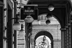liguria la spezia arcade (michael_obst) Tags: liguria bellaitalia street building sony people arcade blackandwhite monochrome laspezia mono architecture sonyfe70300mm schwarz weiss bnw bw