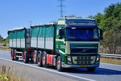 XT90273 (18.07.24, Motorvej 501, Viby J)DSC_6042_Balancer (Lav Ulv) Tags: 256359 volvo volvofh fh3 fh500 brødrenethomsenvognmandsforretning brdrthomsenvognmandsforretning green e5 euro5 8x2 rigid trailer 2013 driverkjeld driverfarfar truck truckphoto truckspotter traffic trafik verkehr cabover street road strasse vej commercialvehicles erhvervskøretøjer danmark denmark dänemark danishhauliers danskefirmaer danskevognmænd vehicle køretøj aarhus lkw lastbil lastvogn camion vehicule coe danemark danimarca lorry autocarra danoise vrachtwagen motorway autobahn motorvej vibyj highway hiway autostrada