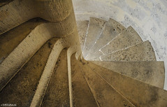 Stairs (md-shots) Tags: city città pierrefonds architettura architecture scale stairs travel france francia