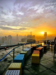 Helipad! (ubrennah) Tags: sunset malaysia kualalumpur asia sky skyscraper sun goldenhour golden