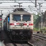 HWH WAP7 30205 with an Unknown train crosses 13018 Ganadevta Express at Sainthia Jn. thumbnail