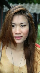 eyes wide open (the foreign photographer - ฝรั่งถ่) Tags: pretty fair skinned woman motorcycle khlong thanon portraits bangkhen bangkok thailand canon