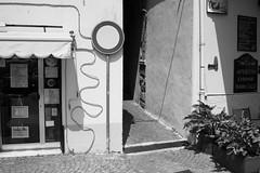 Noli, Liguria (fabiolug) Tags: sign shape shapes curve curves line lines light shadow shadows noli liguria ligury italy italia leicammonochrom mmonochrom monochrom leicamonochrom leica leicam rangefinder blackandwhite blackwhite bw monochrome biancoenero voigtlandernoktonclassic35mmf14 voigtlandernokton35mmf14 voigtlander35mmf14 35mm voigtlander