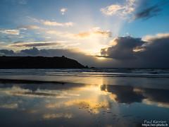 sur la grève de Porsarvag (Paul Kerrien) Tags: finistere bzh soir bretagne reflet rivage crépuscule