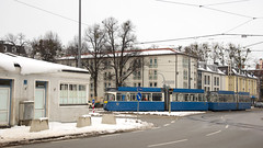 P-Zug 2005/3004 am Romanplatz auf Fahrschulfahrt (Frederik Buchleitner) Tags: 2005 3004 fahrschule liniee munich münchen pwagen romanplatz schnee strasenbahn streetcar tram trambahn