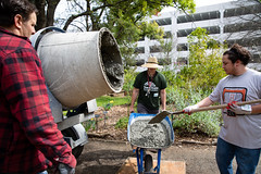 Alternative_Break_20190319_0064 (Sacramento State) Tags: sacramentostate sacstate californiastateuniversitysacramento universitycommunications hornets jessicavernone alternative break spring volunteer community engagement center solar house living building concrete