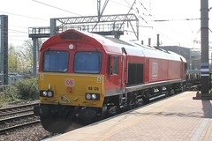DB Cargo . 66135 . Alexandra Palace Station , North London . Monday 01st-April-2019 . (AndrewHA's) Tags: alexandrapalace railway station northlondon train db cargo class 66 diesel locomotive loco 66135 shed gm general motors 4e26 dollands moor scunthorpe empty steel flat wagons
