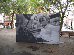 Goodbyeee! (scarcely) Tags: davidhemmings sloanesquare london 1966 antonioni blowup farewell adieu thanks flickr goodbye everyone love good while it lasted terryoneill kensingtonchelsea