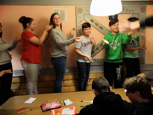 Hüttengaudi bei Gesang und Spiel