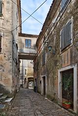 Alley in Groznjan (Eadbhaird) Tags: croatia istria groznjan alley architecture hrv