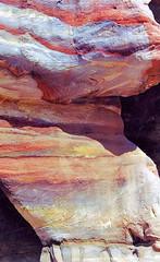 Mille nuances de grès (Raymonde Contensous) Tags: jordanie pétra roche grès montagne djebel pierre nature