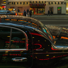 Reflections (Julio López Saguar) Tags: segundo juliolópezsaguar coche car automóvil color colour newyork nuevayork usa unitedstates estadosunidos calle street noche night reflejos reflections negro black