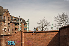 Hamburg mit der 3AHIHR & 4AHBTH 2018-04-10 (tine_stone) Tags: 3ahihr4ahbth architektur htl hamburg lehrer schule schã¼ler sonya9 strasse unterricht architecture city exploring ontour onlocation outdoor sightseeing street tine tinefoto tourist travel urban germany schüler