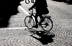 Anonyme.. (Leoniedas) Tags: bycicle shaddow leuven cycling light silouette anonymous city urban pavement street bicycle fiets fahrrad shadow silhouette bicicletta vélo bicyclette