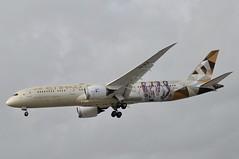 A6-BLG (LIAM J McMANUS - Manchester Airport Photostream) Tags: a6blg etihadairways etihad ey etd fromabudhabitotheworld boeing b787 b789 789 dreamliner boeing787 boeing7879 boeingdreamliner man egcc manchester