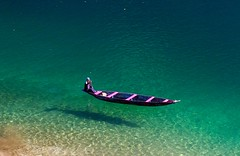 Lone Floater (ysoseriuos) Tags: boat water lake shillong india travelphotography travelling lonely solitude boatman floating clear dawki dawkiriver tourism meghalaya blue nature ngc